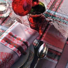 Bromberg's Holiday Linens