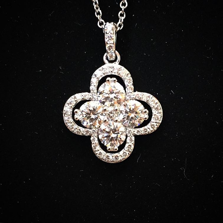 Whoever ends up with this Forevermark Clover pendant designed by A. Link is very lucky indeed! #Forevermark #clover #diamondpendant #lucky #gorgeous #brombergsjewelry